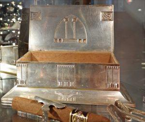 رواية صندوق العجائب