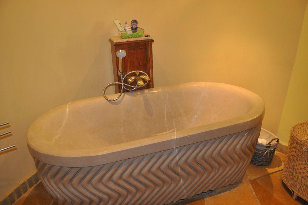 الاستحمام وقت الدورة الشهرية